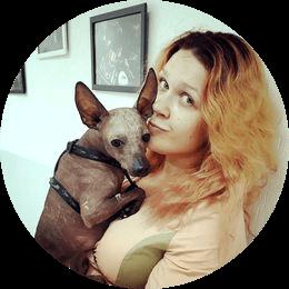 Ефремова Елена Юрьевна. Ассистент орнитолога, владелец птиц с многолетним опытом.