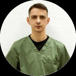Якин Дмитрий Владимирович. Ветеринарный врач, хирург, ортопед, рентгенолог, специалист по компьютерной томографии.